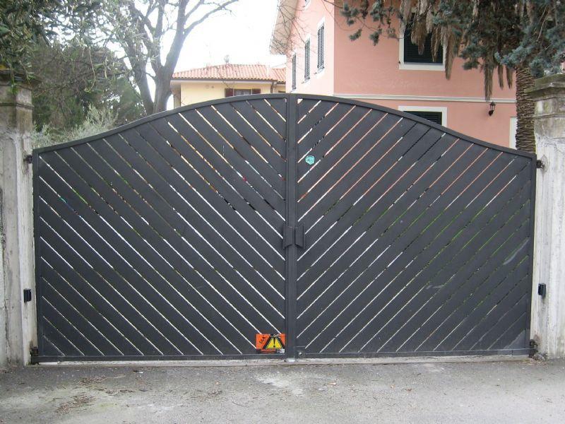 automazione cancello girevole Tau Pisa