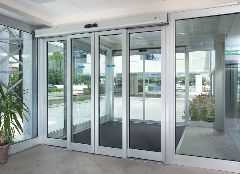 installazione porta automatica Ponsacco